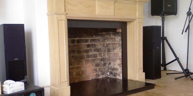 Fireplace sorround