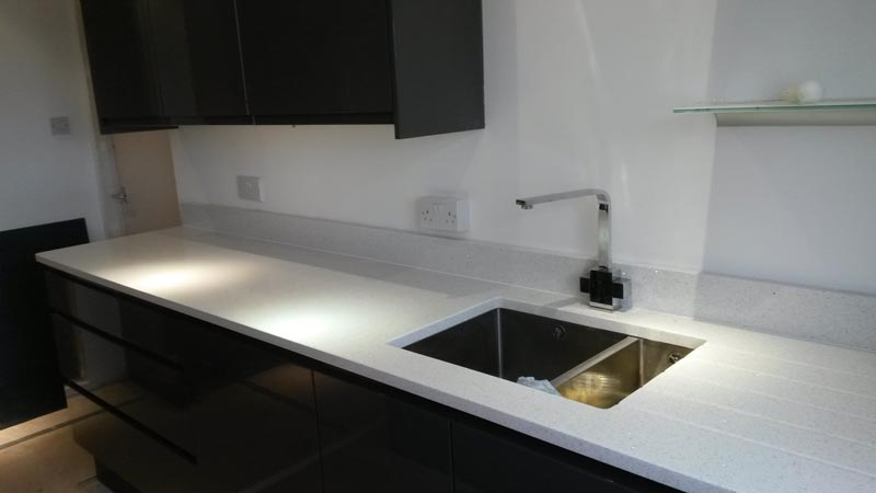 White Mirror Quartz Worktop