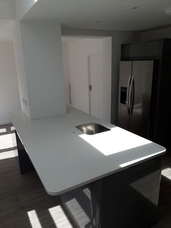 White Mirror Quartz Kitchen Worktop Island